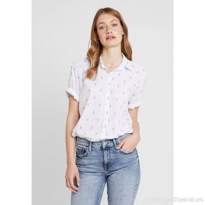 GAP 2019 Rolled Cuff Button Down Blouse